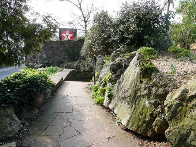 Path towards the steps down to the pavement, Oldway mansion