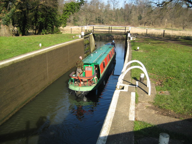 River Wey Navigation: Bowers Lock