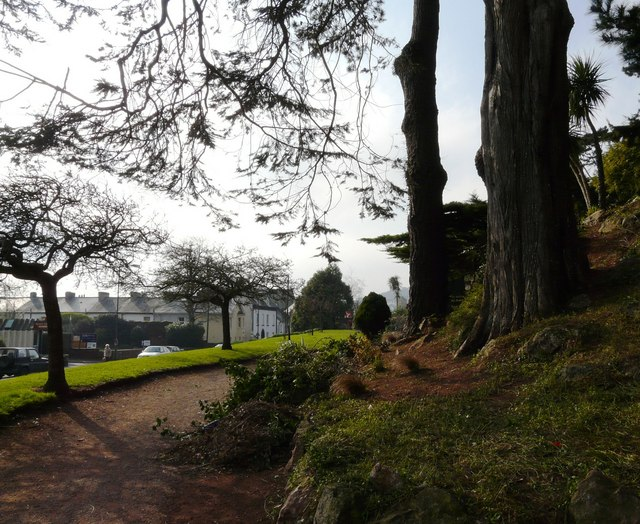 Torquay Road from Oldway Mansion gardens