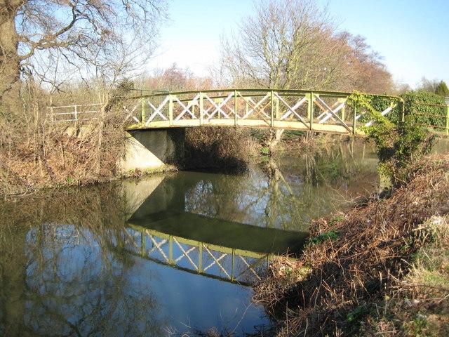 River Wey Navigation: Former Clay Lane bridge