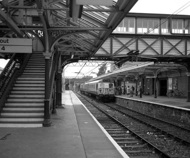 Altrincham station