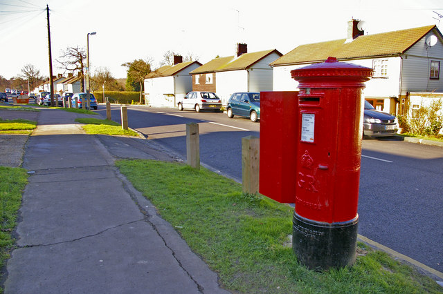 George V Pillar Box, Lonsdale Drive, Enfield