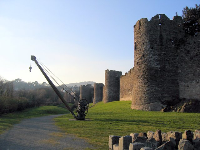 Conwy town walls and the disused derrick
