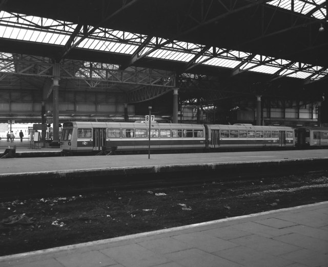 Platform 9 Manchester Victoria U00a9 Dr Neil Clifton Cc-by-sa/2.0  Geograph Britain And Ireland