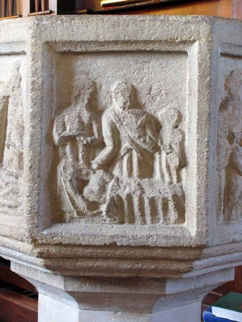 St Peter & St Paul, Wendling, Norfolk - Font bowl detail