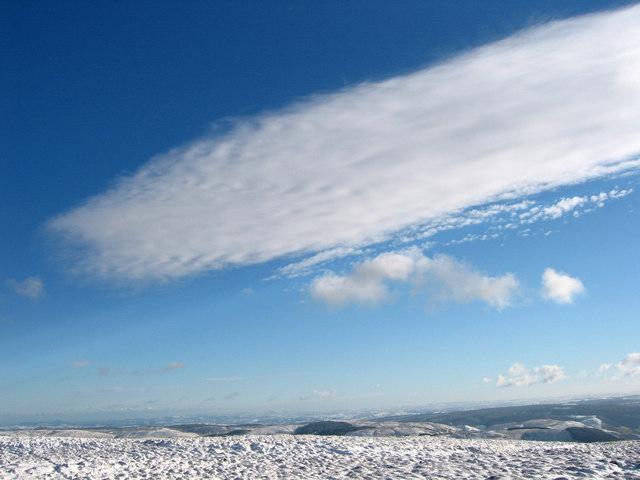 Cloud sheet near Glasgwm