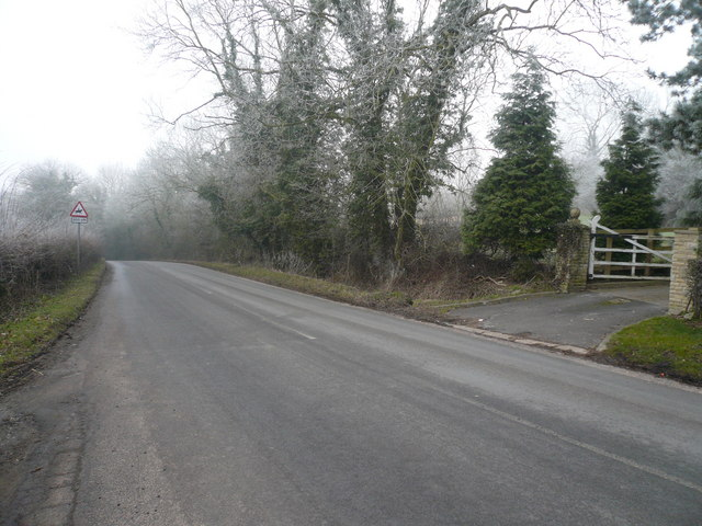 Spinkhill Road - Looking in the direction of  Spinkhill