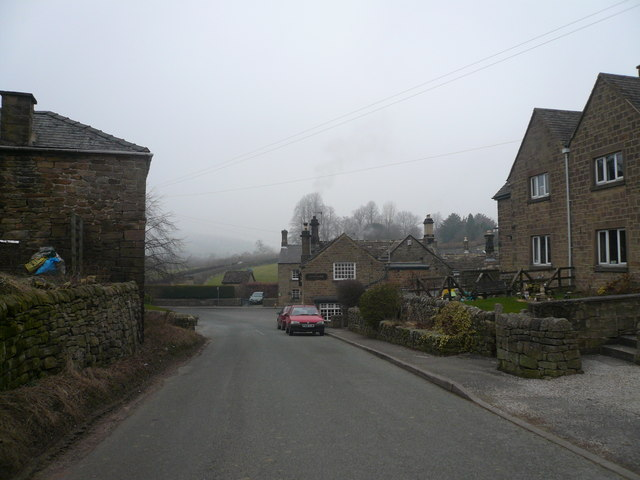 Beeley - Chesterfield Road approach to The Devonshire Arms