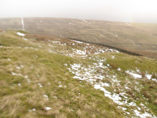 The intake wall above Yearn Cleugh