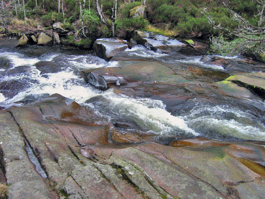 Slabs of rock in the Water of Tanar