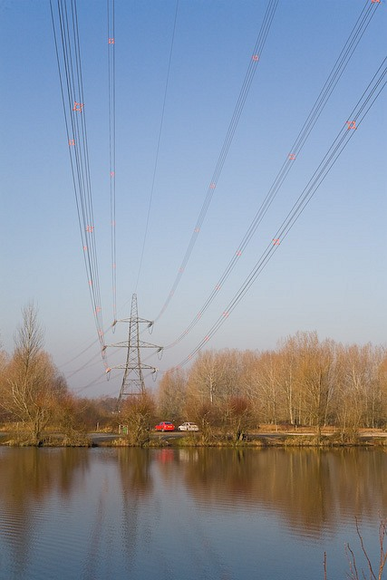 400 KV electricity supergrid passes over Broadlands Lake, Nursling