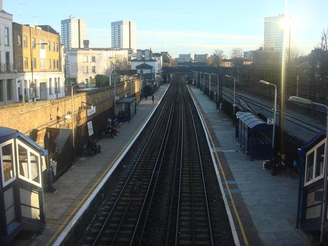Kilburn High Road Station, Platforms from the footbridge