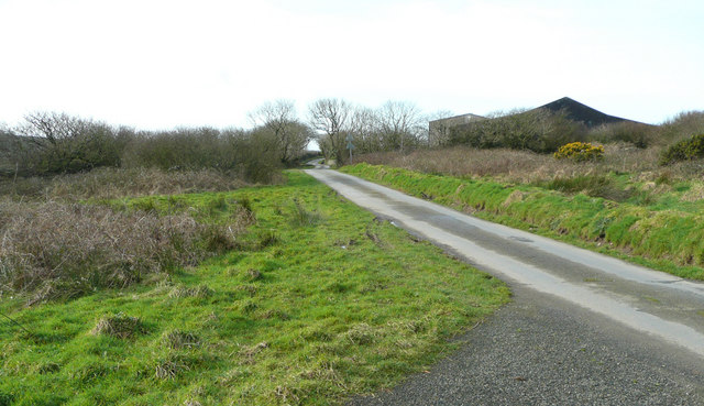 Lane to Lower Lutsford