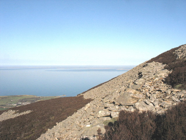 The western scree defences of Tre'r Ceiri hill fort