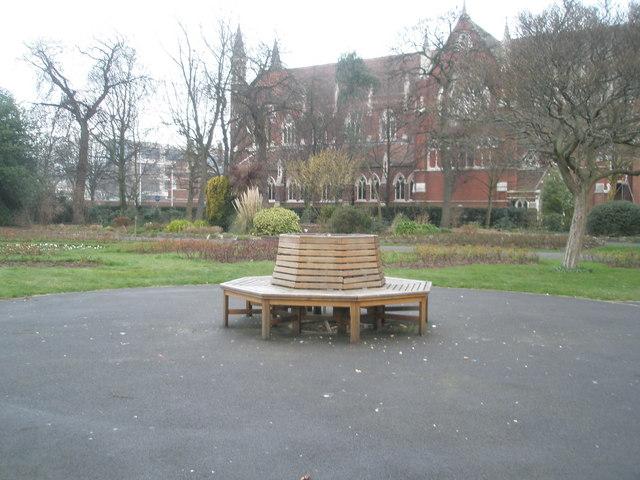 Circular seat in Victoria Park