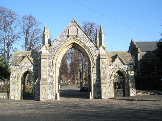 Looking through gates down Kingston Cemetery
