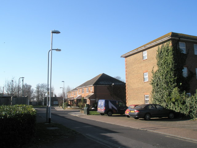 Houses in Whitcombe Gardens