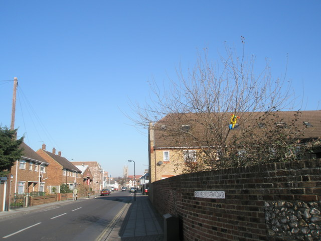Looking northwards up Claremont Road