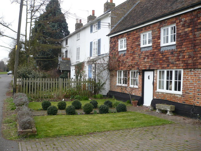 Cottages on Rodmersham Green