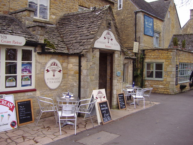 Restaurant alongside the river, Bourton on the Water