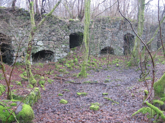 Old limekilns beside the Bannock Burn
