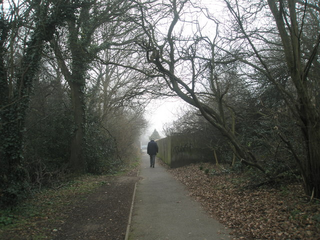 Footpath through to North Road