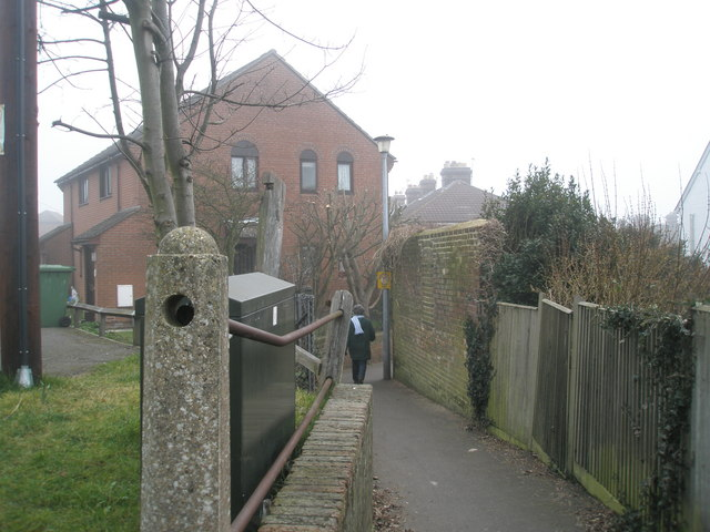 Footpath from Bannerman Road to Osborne.