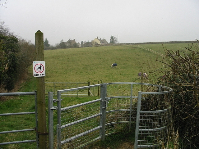 Footpath between the two roads into Englishcombe