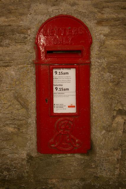 Postbox at Paytoe Hall
