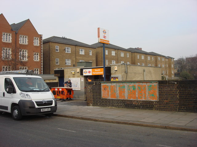 "South Hampstead station with new ""London Overground"" Branding"
