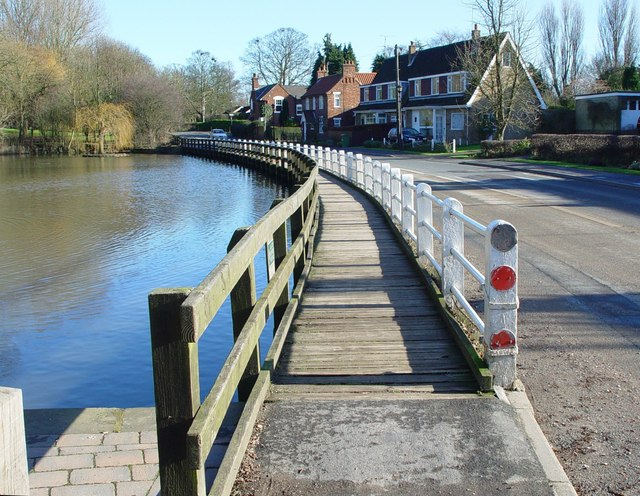 The walkway by the pond, Walkington