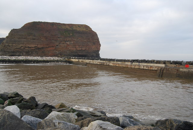 Staithes breakwater & Cowbar Nab