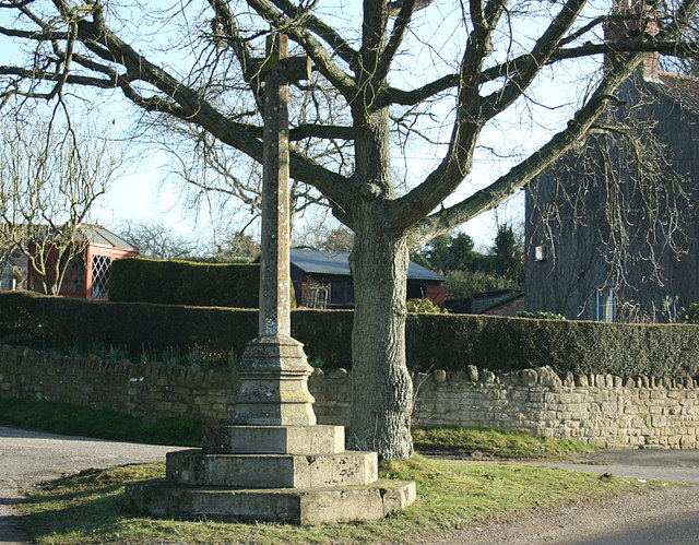 2008 : War memorial, Ditteridge