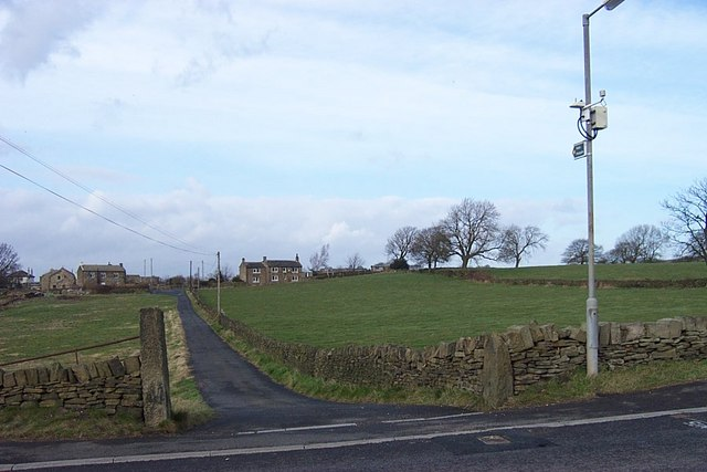 Footpath to Thorncliffe from Thorncliff Green Road