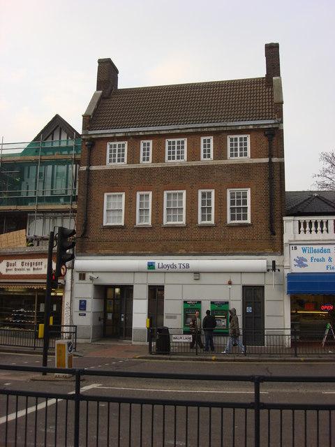 Lloyds TSB bank, Walm Lane