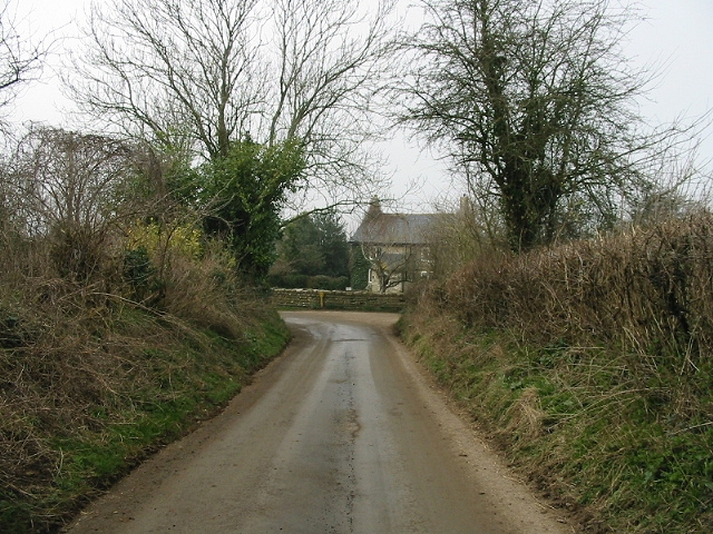 View along the road to Inglesbatch