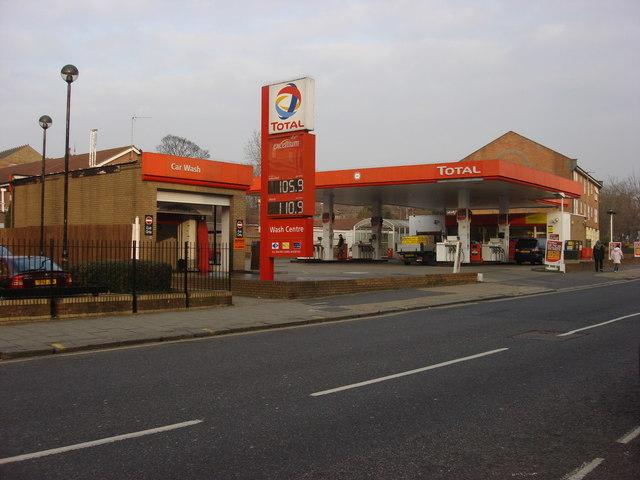 Total petrol station, Willesden Lane