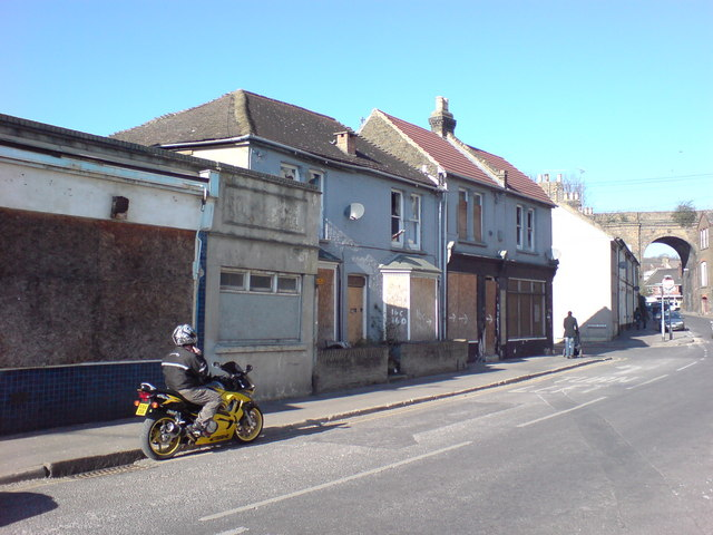 Magpie Hall Road, Chatham