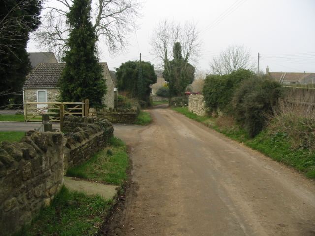 Looking NW along Stitchings Lane towards Inglesbatch village