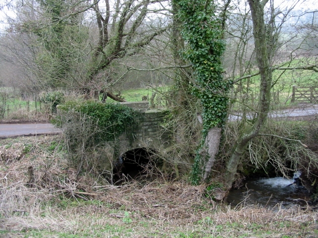 Bridge over Bathford Brook