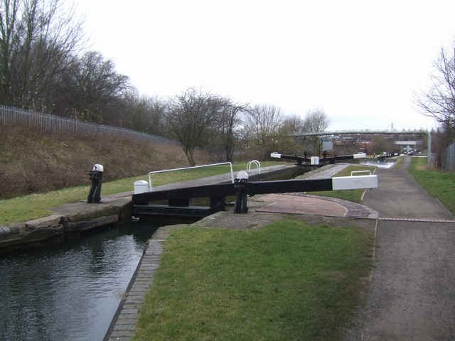 Birmingham Canal - Wolverhampton Lock 12