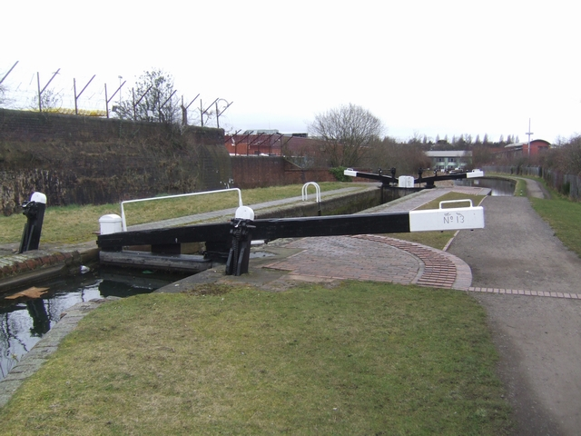 Wolverhampton Lock 13