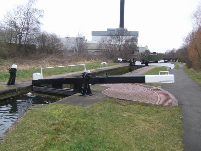 Birmingham Canal - Wolverhampton Lock 7