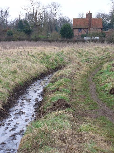 Footpath to Send Court Farm