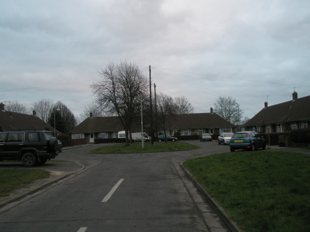 Traffic island in Linden Way
