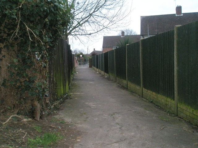 Alleyway from Battens Copse to Battens Way