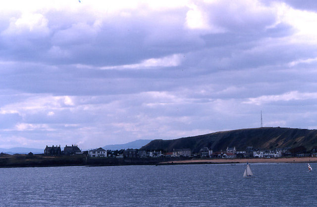 Earlsferry from across the bay