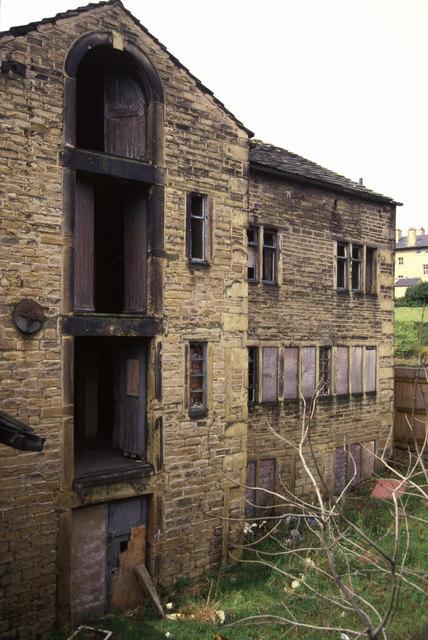 Derelict warehouse, Aspley