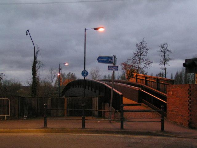 Footbridge to car park at Gloucester Docks