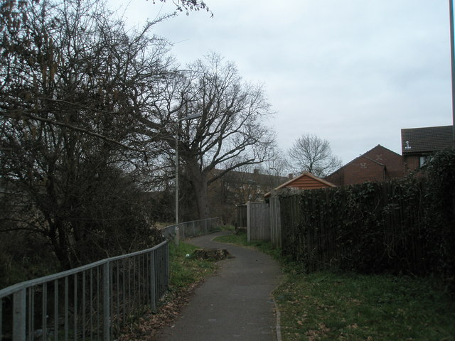 Alleyway leading to Botley Drive
